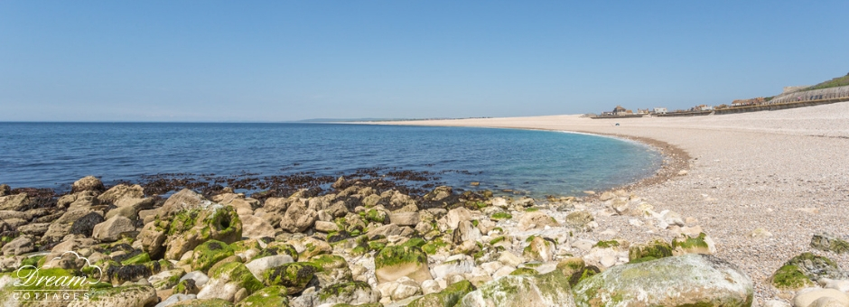 11 Best Beaches in Dorset Chesil Cove