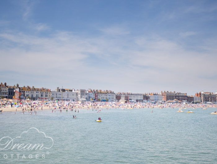 11 Best Beaches in Dorset - Weymouth beach (2)