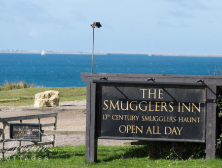 Dog friendly pubs Dorset - Smugglers Inn