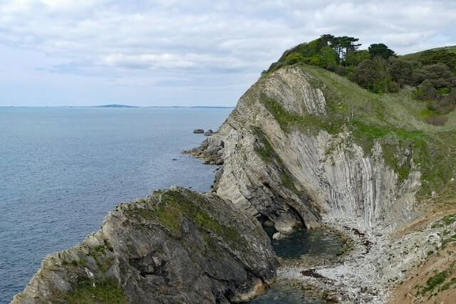 Geology of Lulworth Cove, rock formation of a cove
