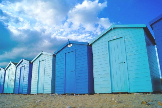 charmouth beach cabins